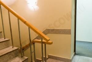 Офис на белорусской - второй этаж - лестница