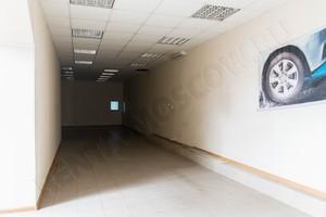 Южнопортовая - сдам торговое помещение - склад - первый этаж
